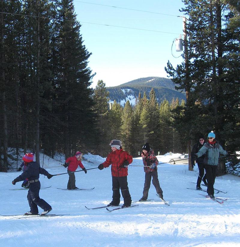 Family-XC-Ski-lesson